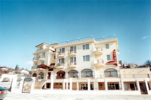 Trakata Hotel-Restaurant