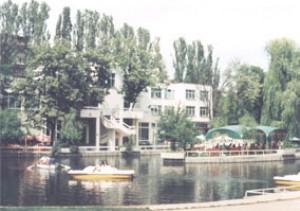 Sreburno ezero Hotel-restaurant